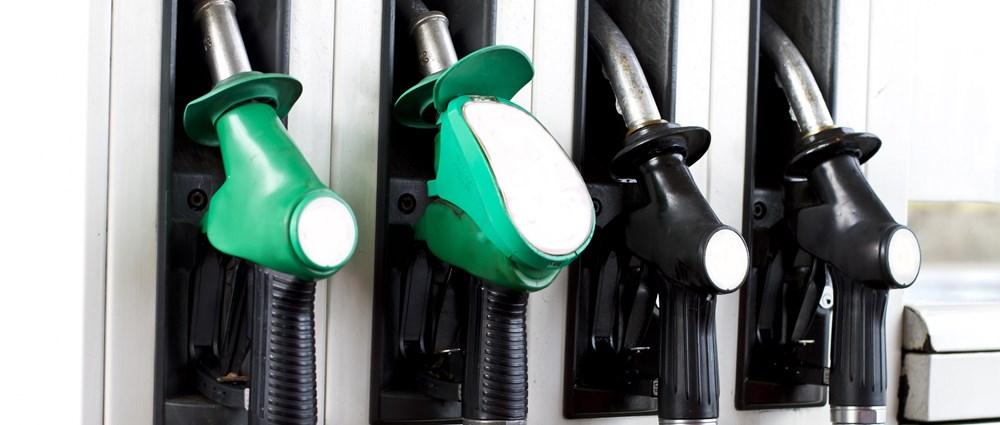 Petrol pump nozzles